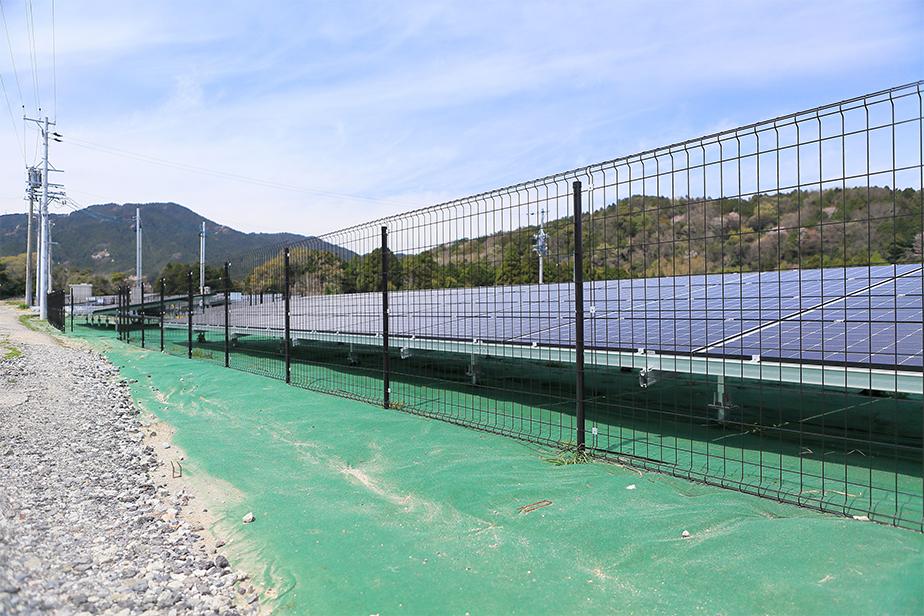 太陽光発電施設のフェンス設置が義務化