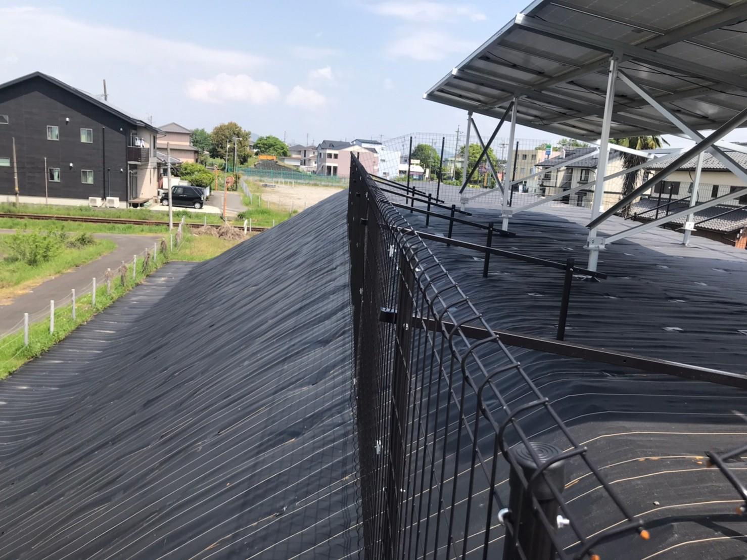 太陽光フェンス 直線