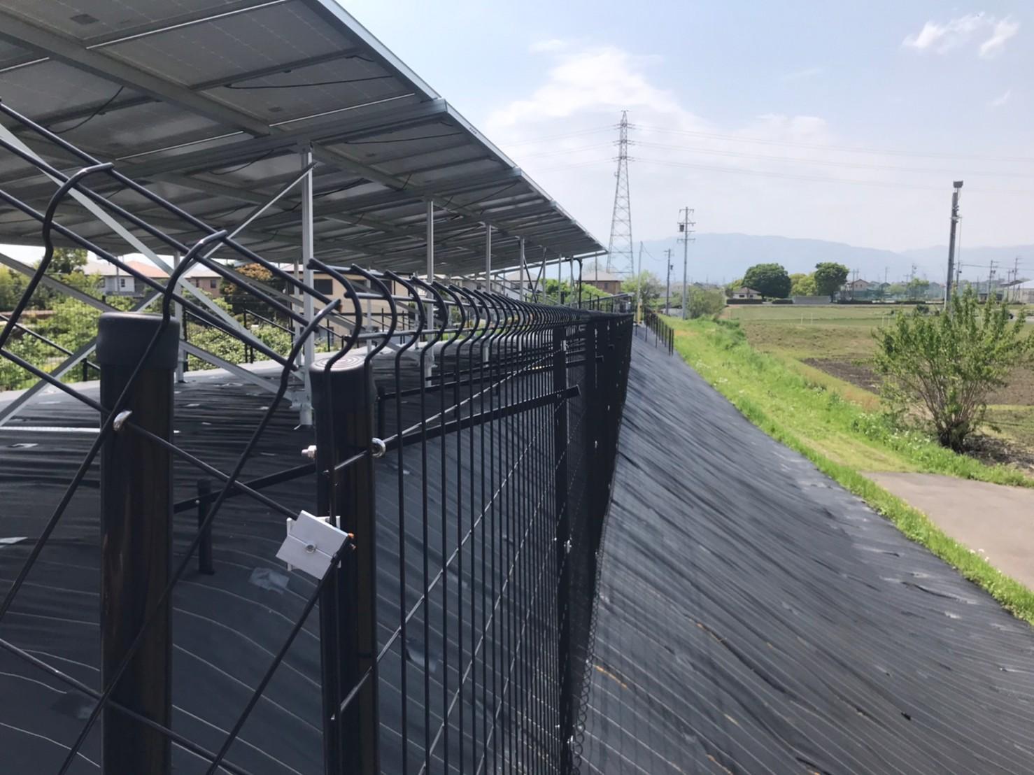 太陽光フェンス コーナー